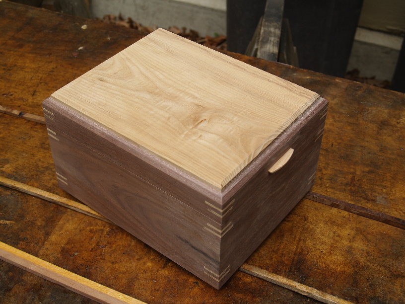 making wood urn