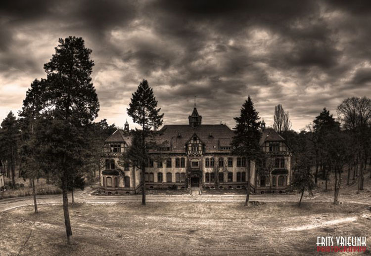 Creepy Gothic House House Design And Decorating Ideas