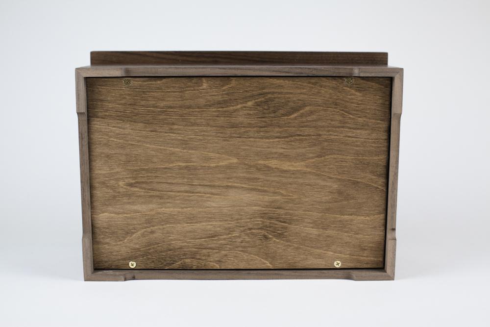 Wooden urn detail