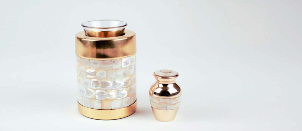 Matching Keepsakes for Cremation Urns