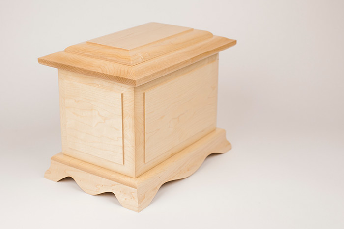 Cambridge Cremation Urn in Maple