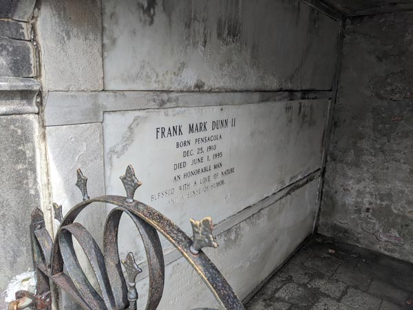 Mausoleum Photos - What's it like inside a mausoleum