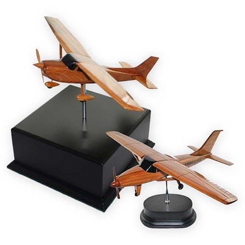 Keepsake airplane urn