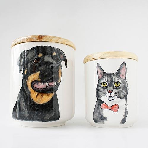 Personalized Painted Pet Urn- 50 Beautiful Ceramic Urns
