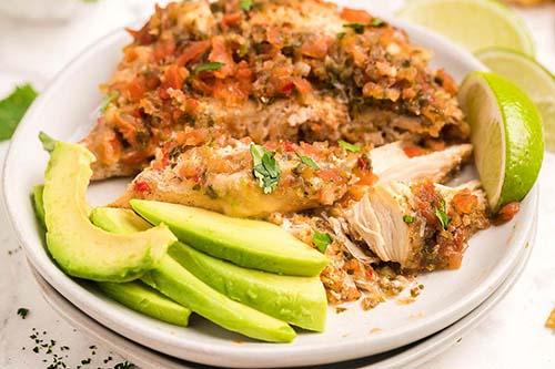 Flavorful Slow Cooker Salsa Fresca Chicken
